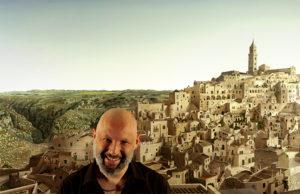 Foto Domenico Dell'Osso con parte dell'opera