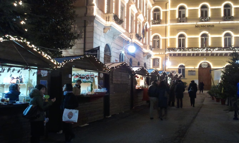 Potenza ultimi giorni per i mercatini di natale il for Mercatini di natale bari